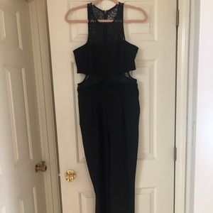 Express size 8 jumpsuit with pockets!!